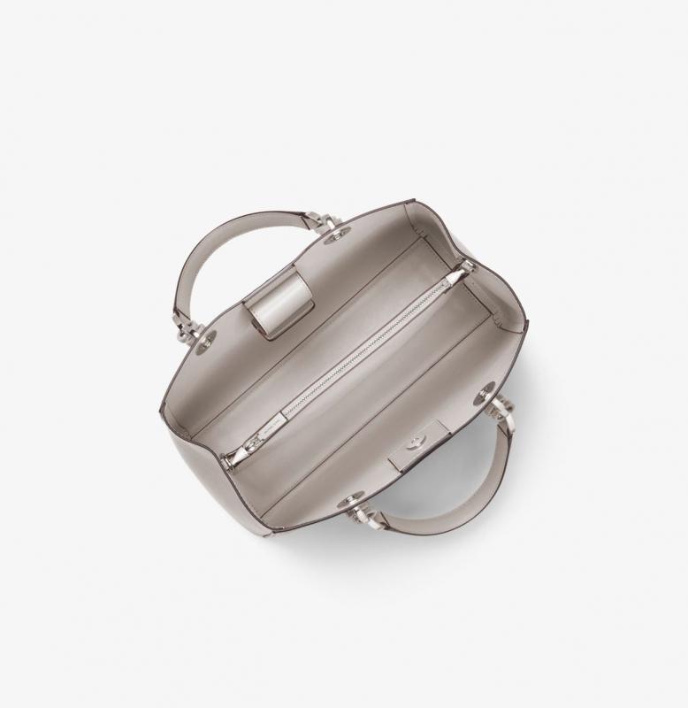 Michael Kors kabelka Cynthia medium leather pearl gray  b8b27f3f500