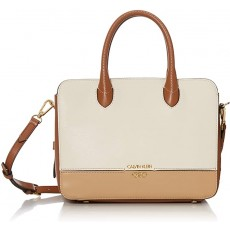 Calvin Klein kabelka Sophia micro pebbled leather white combo